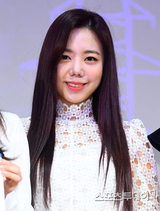 Khoe tóc mới để thông báo nhóm sắp comeback, Namjoo (Apink) lại bị netizen dìm hàng tơi tả - Ảnh 4.