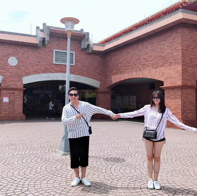 Trấn Thành đăng ảnh hôn nhau lãng mạn, gửi lời chúc mừng sinh nhật ngọt ngào tới bà xã Hari Won - Ảnh 2.