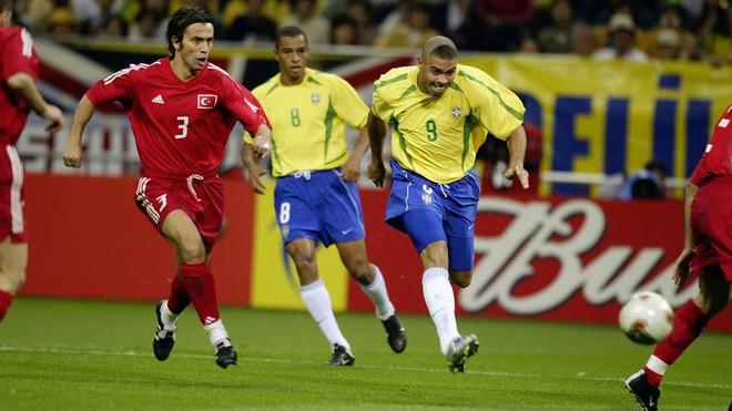 đầu tư giá trị - 2lrivb 1530085204017483986562 - Messi và Ronaldo tan giấc mơ World Cup: Sẽ chẳng còn lần nào để trở thành vĩ đại