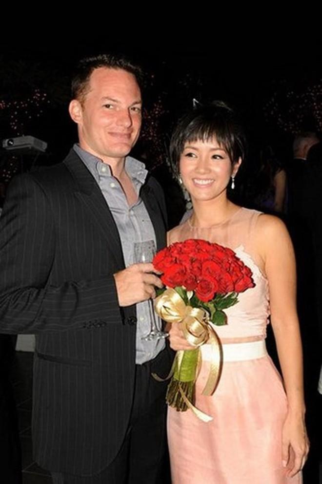 Hồng Nhung - Hành trình cùng chồng Tây trong 8 năm hạnh phúc - Ảnh 1.