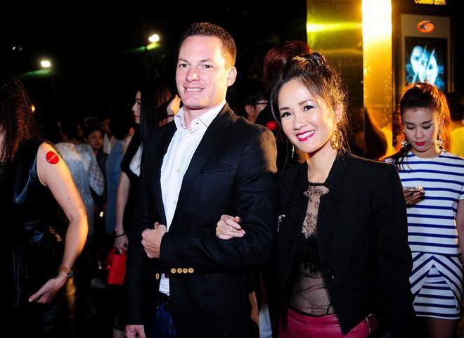 Hồng Nhung chia tay chồng Tây sau 8 năm gắn bó - Ảnh 2.