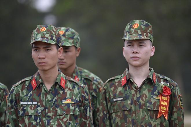 Sao nhập ngũ: Gin Tuấn Kiệt, Hoàng Tôn khiến đồng đội mất ngủ chỉ vì quên mang... vớ - Ảnh 1.