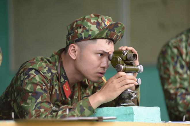 Sao nhập ngũ: Gin Tuấn Kiệt, Hoàng Tôn khiến đồng đội mất ngủ chỉ vì quên mang... vớ - Ảnh 2.