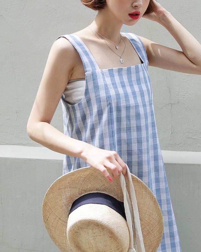 """4 kiểu váy 2 dây """"hot"""" nhất hè này, trong đó có kiểu nàng ngại mặc hở cÅ©ng diện ngon Æ¡ - Ảnh 1."""