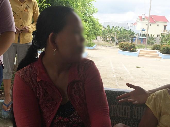Bà nội bé gái 10 tuổi nghi bị bố ruột hiếp dâm: Con bé sợ cả nhà bị bố nó giết nên nào dám kể cho ai nghe, tội nghiệp cháu tôi quá - Ảnh 3.