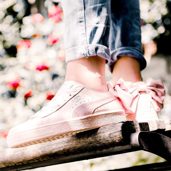 """Mẫu sneaker đính nơ siêu xinh với màu ngọt hơn kẹo này nên được các nàng cho ngay vào """"wish list"""" mùa hè - Ảnh 4."""