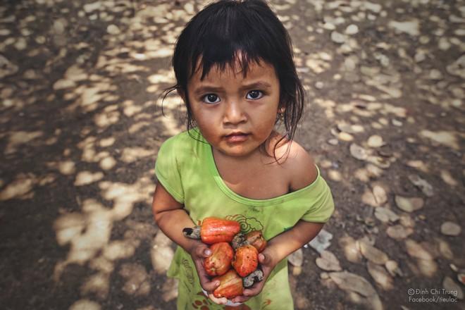 Chuyện của cô bé 9 tuổi sống ở bãi rác Phú Quốc và chàng kỹ sư nông nghiệp đi khắp đất nước kể chuyện trẻ thơ - Ảnh 14.