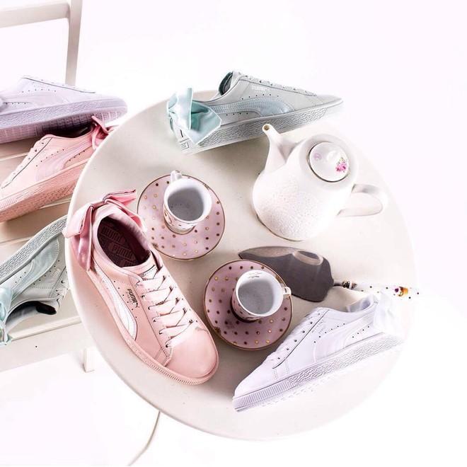 """Mẫu sneaker đính nơ siêu xinh với màu ngọt hơn kẹo này nên được các nàng cho ngay vào """"wish list"""" mùa hè - Ảnh 2."""