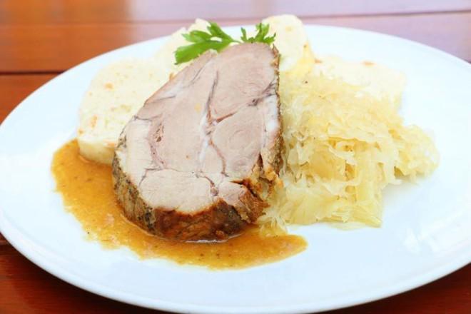 Thèm thuồng với list món ăn hấp dẫn nhất định phải thử khi đến Prague - Ảnh 3.