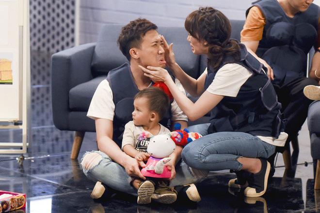 Khi đàn ông mang bầu: Hương Giang xúc động và muốn tận hưởng khoảnh khắc được gọi là mẹ - Ảnh 6.