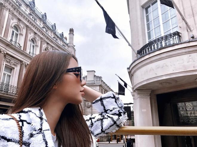 Theo chân Hội con nhà giàu Việt hưởng thụ kỳ nghỉ hè trên khắp thế giới - Ảnh 5.