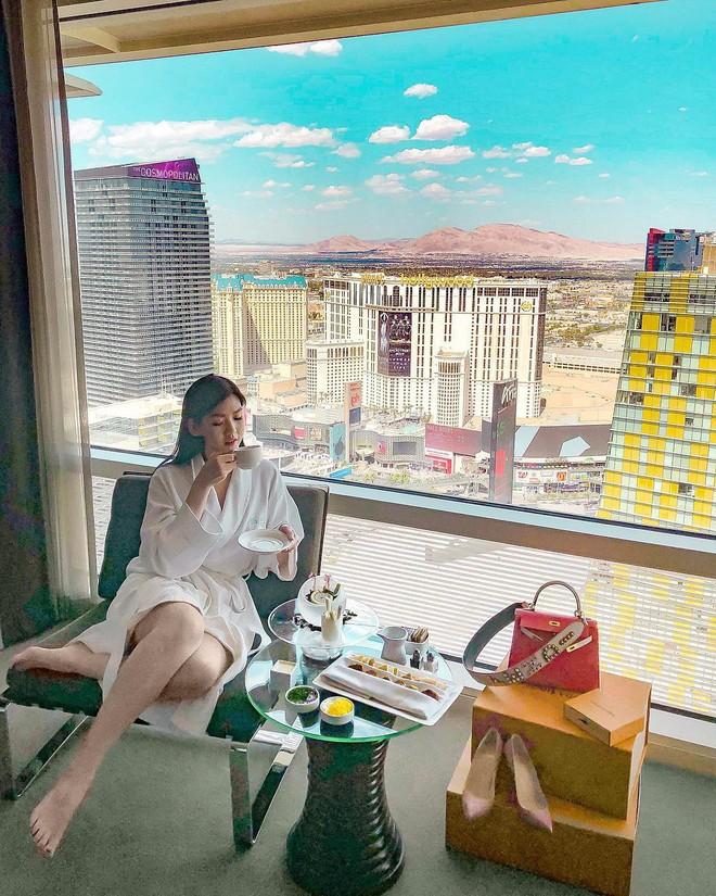 Theo chân Hội con nhà giàu Việt hưởng thụ kỳ nghỉ hè trên khắp thế giới - Ảnh 1.
