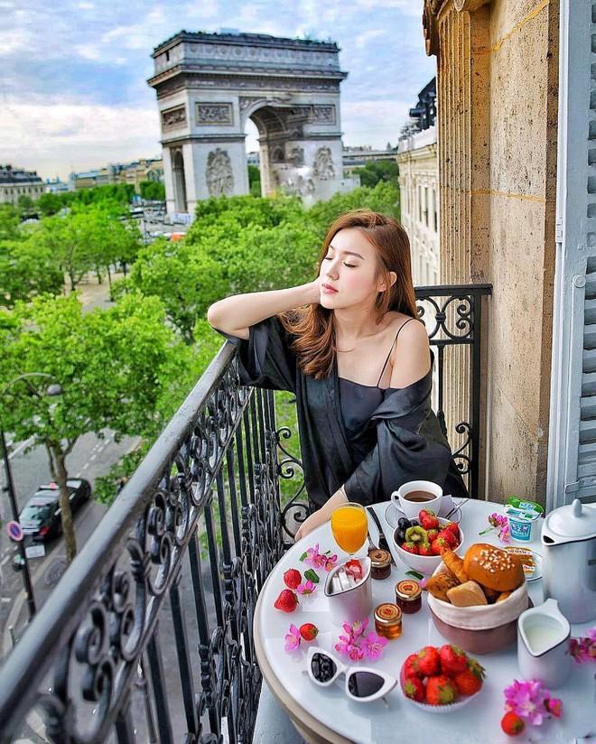 Theo chân Hội con nhà giàu Việt hưởng thụ kỳ nghỉ hè trên khắp thế giới - Ảnh 18.