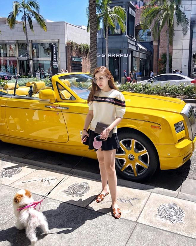 Theo chân Hội con nhà giàu Việt hưởng thụ kỳ nghỉ hè trên khắp thế giới - Ảnh 16.