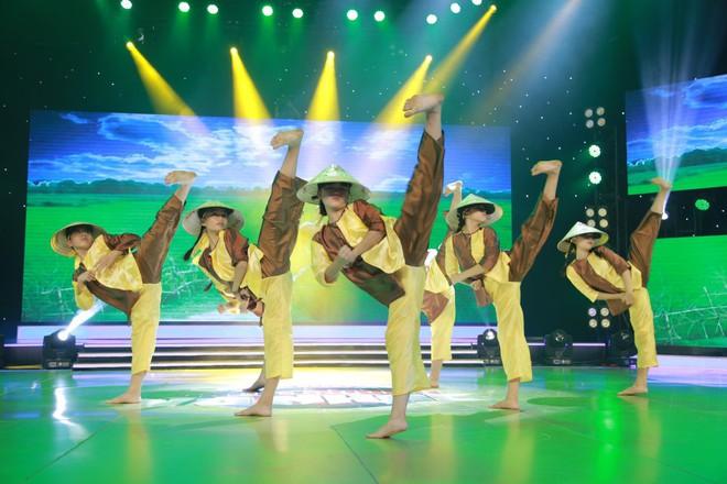 Đánh võ trên nền hit Lạc trôi (Sơn Tùng M-TP), nhóm thí sinh giành luôn vị trí đầu bảng - Ảnh 12.