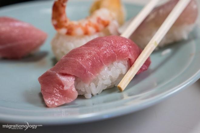 8 món đặc sản nên thử qua khi đến chợ cá Tsukiji nổi tiếng ở Nhật Bản - Ảnh 10.
