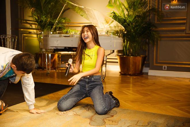 Quỳnh Anh Shyn nói về tin đồn không còn thân với Salim trong fan-meeting đầu tiên tại Sài Gòn - Ảnh 8.