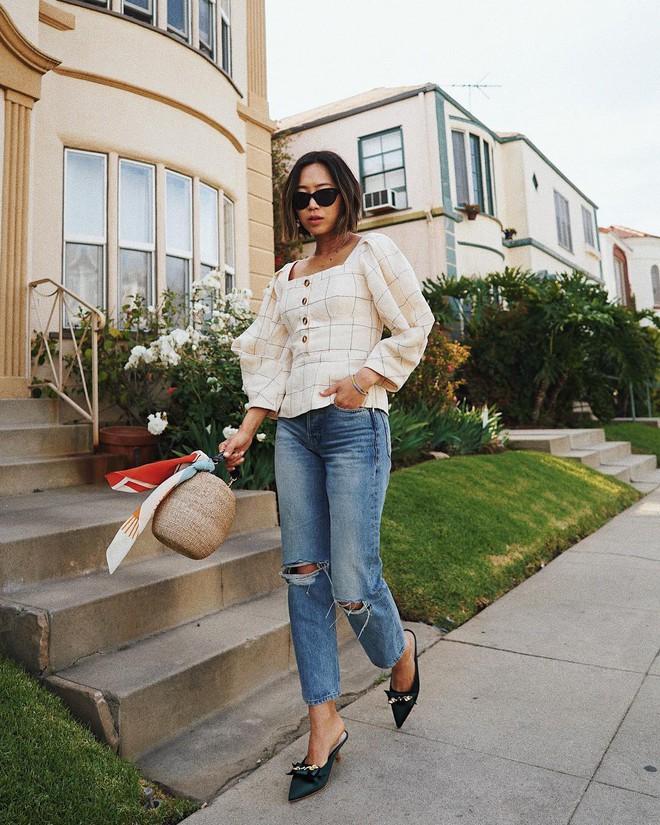 Jeans nào Giày nấy: 4 cách kết hợp siêu đẹp từ các fashion blogger bạn nên học tập ngay - Ảnh 4.