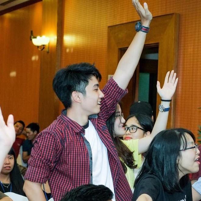 Hotboy trường THPT chuyên Trần Phú khiến cư dân mạng ngây ngất vì vừa đẹp trai, vừa tranh luận cực đanh thép - Ảnh 6.