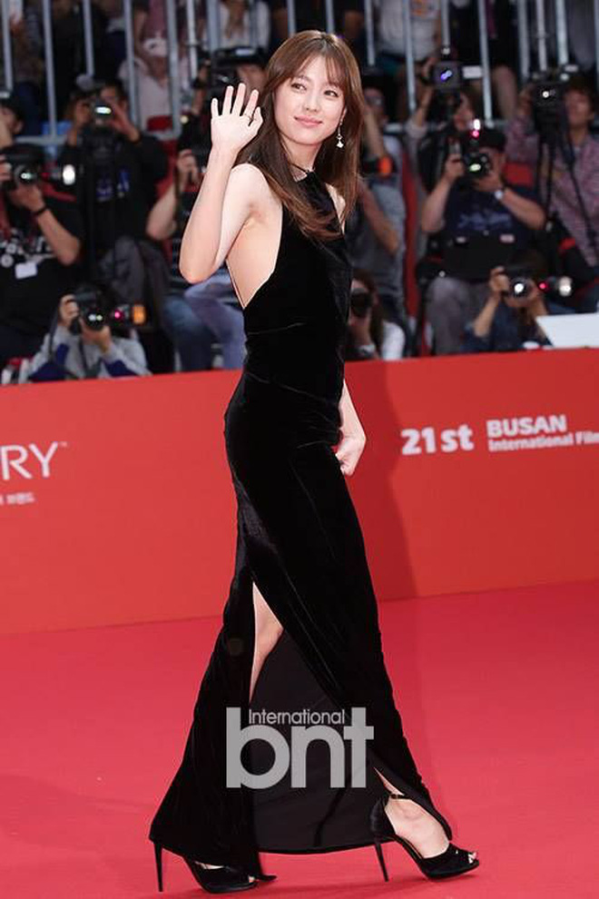"""Cặp đôi """"thánh sống"""" Kang Dong Won và Han Hyo Joo: Khi người thừa kế đời thực và nữ thần đều dính bê bối chấn động - Ảnh 33."""