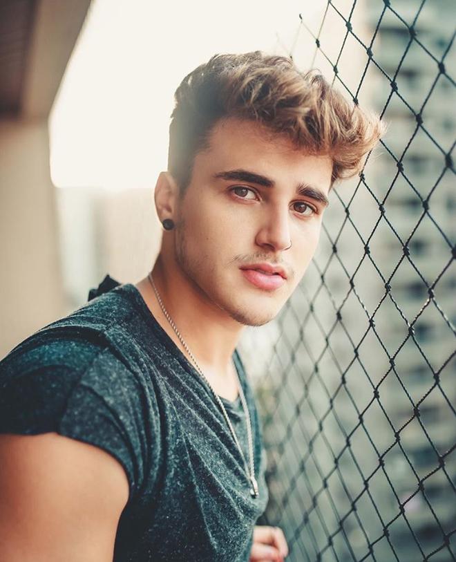 Hot boy Brazil 4,3 triệu follower tiết lộ ảnh hồi 9 tuổi: Đừng chê ai xấu khi họ vẫn chưa dậy thì xong! - Ảnh 3.