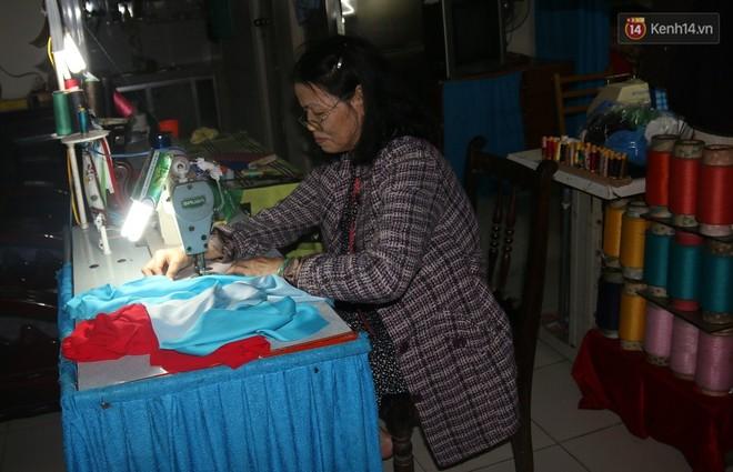 """""""Chung cư không chồng"""" ở Đà Nẵng: Nơi những người phụ nữ đùm bọc, làm tất cả việc của đàn ông kể cả bảo vệ tổ dân phố - Ảnh 4."""