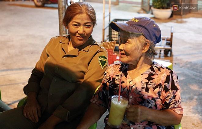 """""""Chung cư không chồng"""" ở Đà Nẵng: Nơi những người phụ nữ đùm bọc, làm tất cả việc của đàn ông kể cả bảo vệ tổ dân phố - Ảnh 11."""