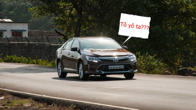 xe-toyota-camry-4-15315608500711216795403.jpg