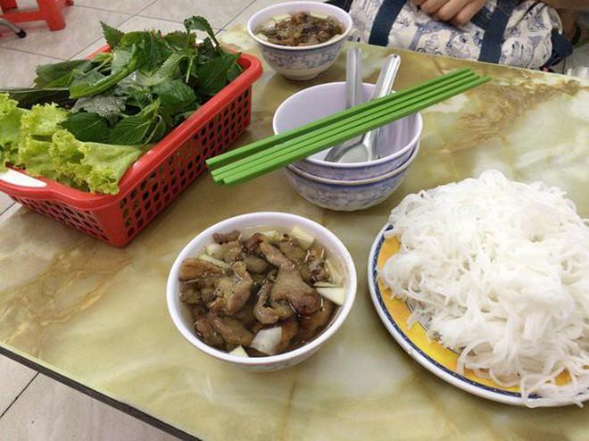 """Ở Sài Gòn mà thèm bún chả Hà Nội thì nên """"gửi gắm tâm tình"""" ở quán nào? - Ảnh 8."""