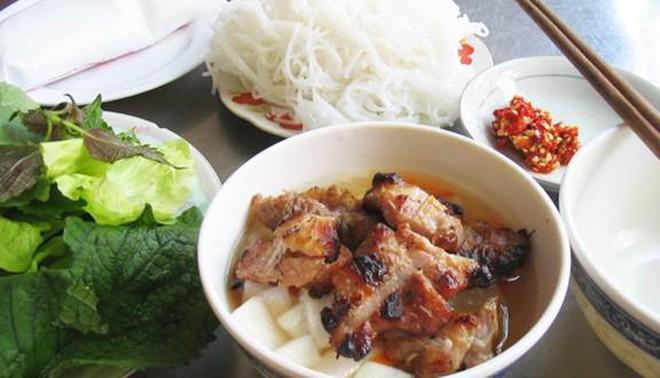 """Ở Sài Gòn mà thèm bún chả Hà Nội thì nên """"gửi gắm tâm tình"""" ở quán nào? - Ảnh 5."""