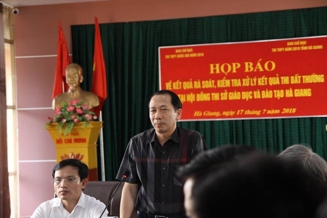330 bài thi THPT quốc gia được nâng điểm bởi Phó trưởng phòng khảo thí và quản lý chất lượng, sở giáo dục tỉnh Hà Giang - Ảnh 4.