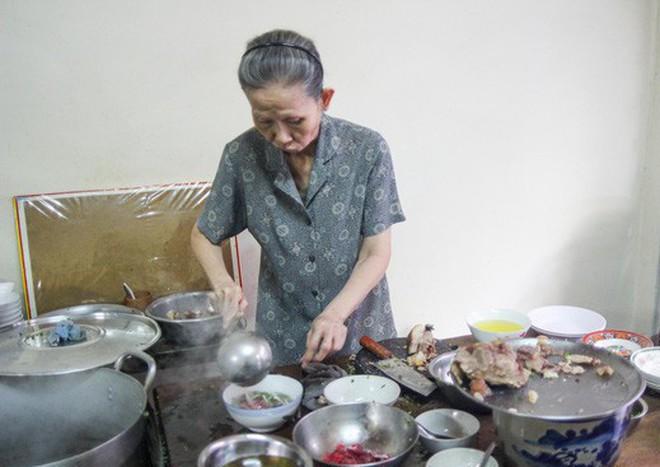"""Những quán phở có từ thời """"ông bà anh"""" tại Sài Gòn - Ảnh 11."""