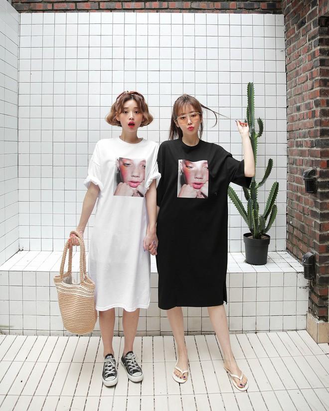 """Váy T-shirt: là váy nhưng lại chẳng """"bánh bèo"""", mặc vừa xinh vừa hợp mọi dáng người - Ảnh 1."""