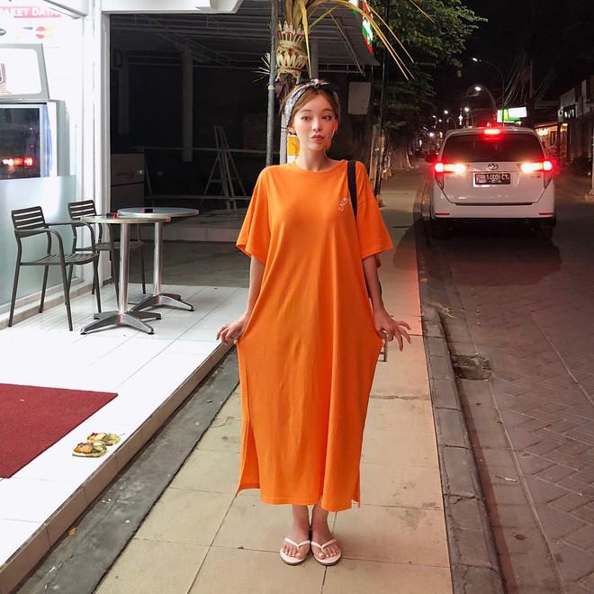 """Váy T-shirt: là váy nhưng lại chẳng """"bánh bèo"""", mặc vừa xinh vừa hợp mọi dáng người - Ảnh 4."""