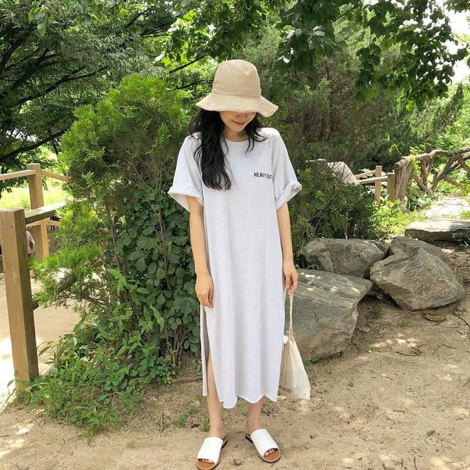 """Váy T-shirt: là váy nhưng lại chẳng """"bánh bèo"""", mặc vừa xinh vừa hợp mọi dáng người - Ảnh 2."""