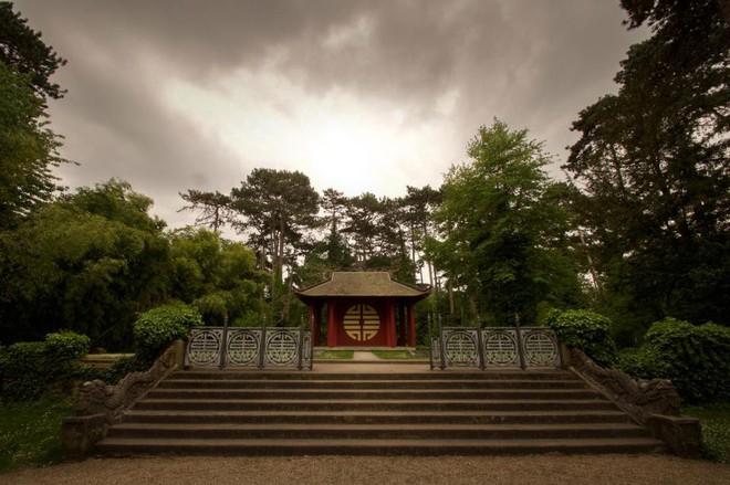 Bên trong khu vườn bị bỏ hoang ở Paris, nơi 100 năm trước con người từng bị đem ra triển lãm, mua vui chẳng khác gì ở sở thú - Ảnh 16.