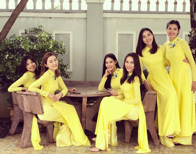 Đội hình bê tráp toàn mỹ nhân Vbiz xinh đẹp, nổi tiếng trong đám hỏi của Top 6 Hoa khôi áo dài 2014 - Ảnh 2.
