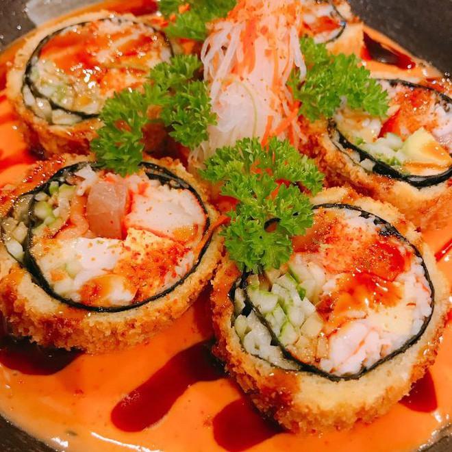"""Sài Gòn không thiếu những quán sushi giá rẻ cho mấy ngày """"xẹp ví"""" mà vẫn thèm ăn sang - Ảnh 2."""