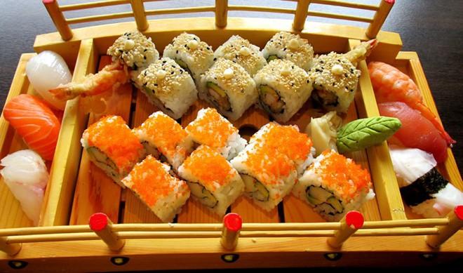"""Sài Gòn không thiếu những quán sushi giá rẻ cho mấy ngày """"xẹp ví"""" mà vẫn thèm ăn sang - Ảnh 14."""