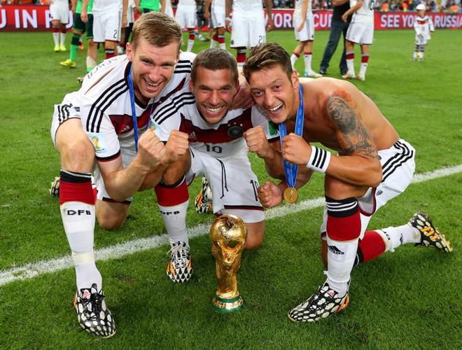 CHÍNH THỨC: Mesut Ozil tuyên bố chia tay đội tuyển Đức - Ảnh 3.