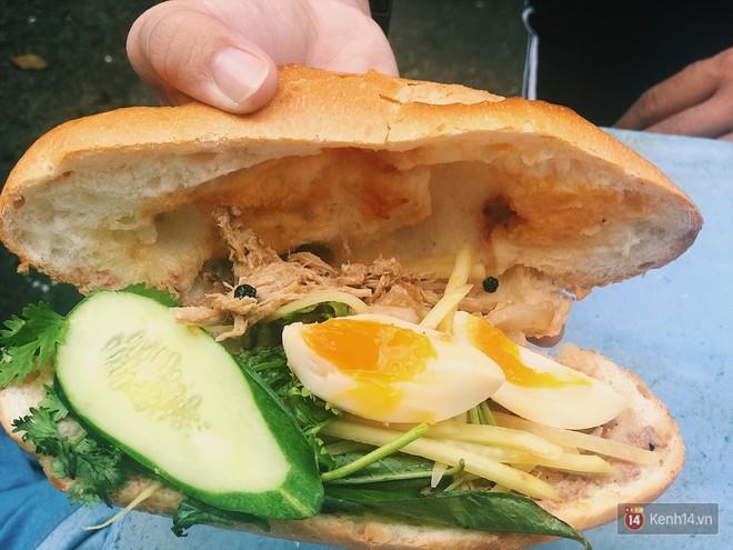 Quá nhiều kiểu bánh mì độc đáo tại Sài Gòn, nhất là kiểu số 2 - Ảnh 2.
