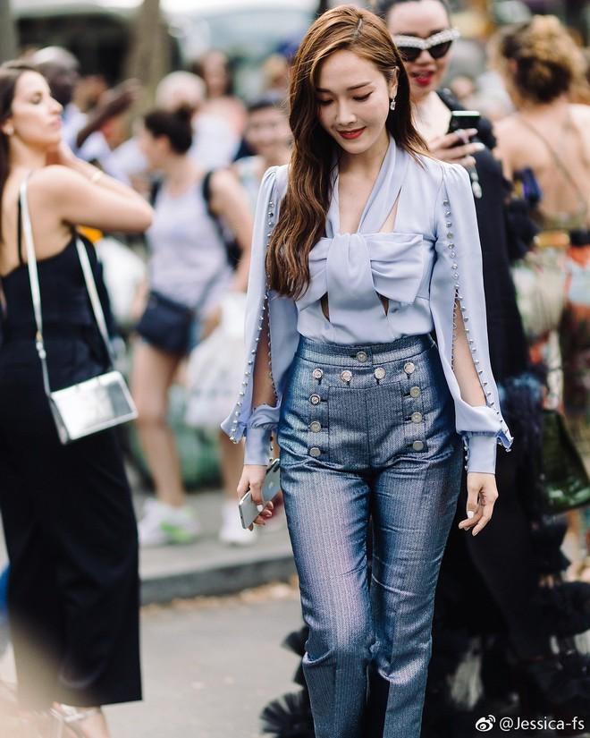 Jessica Jung khoe nhan sắc trong veo và gu thời trang đẳng cấp tại show diễn thời trang