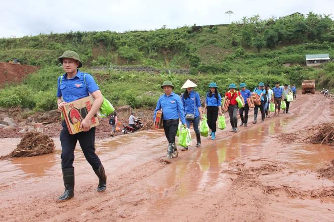 Trung ương Đoàn, Trung ương Hội chung tay hỗ trợ bà con nhân dân Lai Châu vượt qua lũ lụt - Ảnh 1.