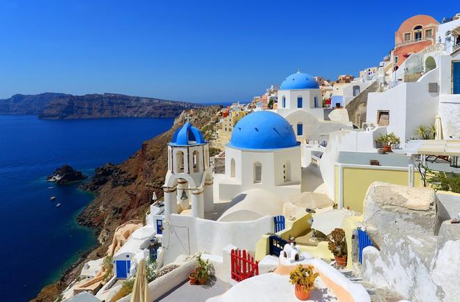 Hy Lạp: Nhiều con lừa tại Santorini bị trọng thương vì liên tục phải chở những khách du lịch béo phì - Ảnh 1.