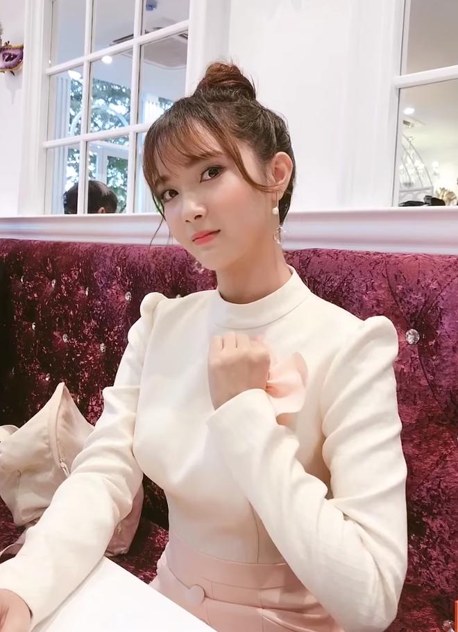 """Im ắng suốt 1 năm, """"thánh nữ cover"""" Jang Mi gây bất ngờ tái xuất với khí chất tựa nữ thần - Ảnh 1."""