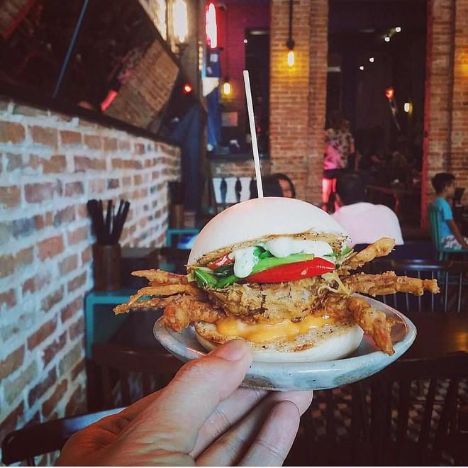 Đi một vòng từ Á sang Âu với 3 nhà hàng đang được giới trẻ Sài Gòn check-in nhiệt tình - Ảnh 18.