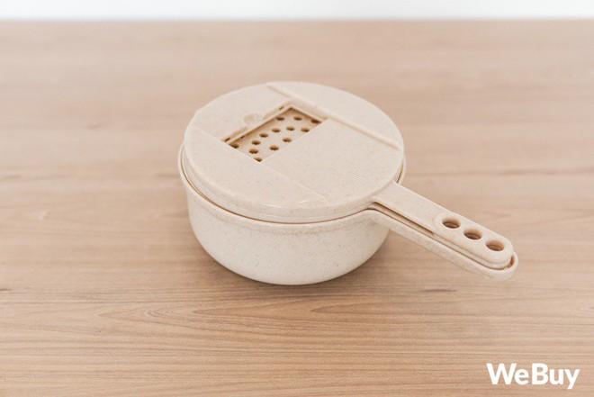 """Bộ đồ nhựa lúa mạch giúp bào nhỏ cả thế giới nhìn rõ đẹp nhưng rất khó """"cần trô"""" - Ảnh 3."""