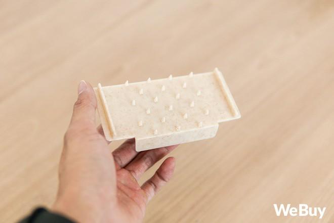 """Bộ đồ nhựa lúa mạch giúp bào nhỏ cả thế giới nhìn rõ đẹp nhưng rất khó """"cần trô"""" - Ảnh 4."""