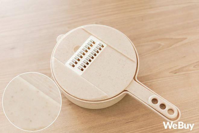 """Bộ đồ nhựa lúa mạch giúp bào nhỏ cả thế giới nhìn rõ đẹp nhưng rất khó """"cần trô"""" - Ảnh 2."""
