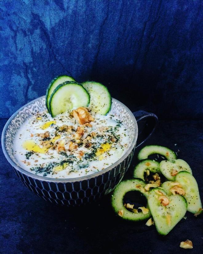 Để sống sót qua mùa hè nóng nực, người Bulgaria có một món ăn vô cùng độc đáo - Ảnh 5.